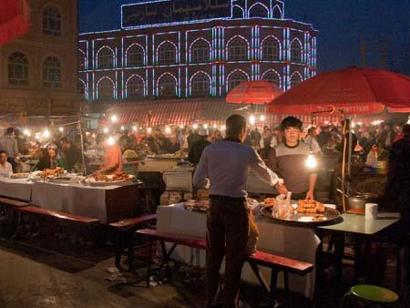 The night market in Kashi sells a variety of Uighur cuisine