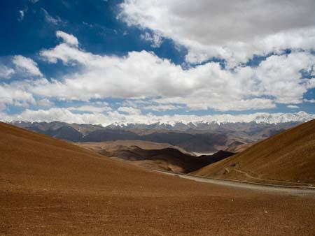 View of the Himalayans and Mount Everest from Pang-la pass at 5050 metres